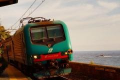 Zugfahrt am Meer - Ligurien