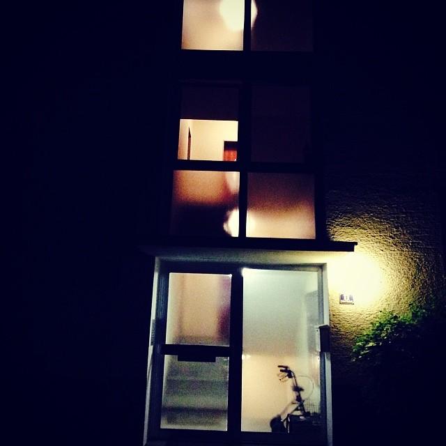 Abends in der Siedlung