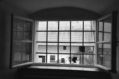 Fenster in den Hinterhof